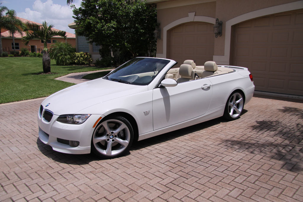 2009 Bmw 335i Convertible Quarter1 Med