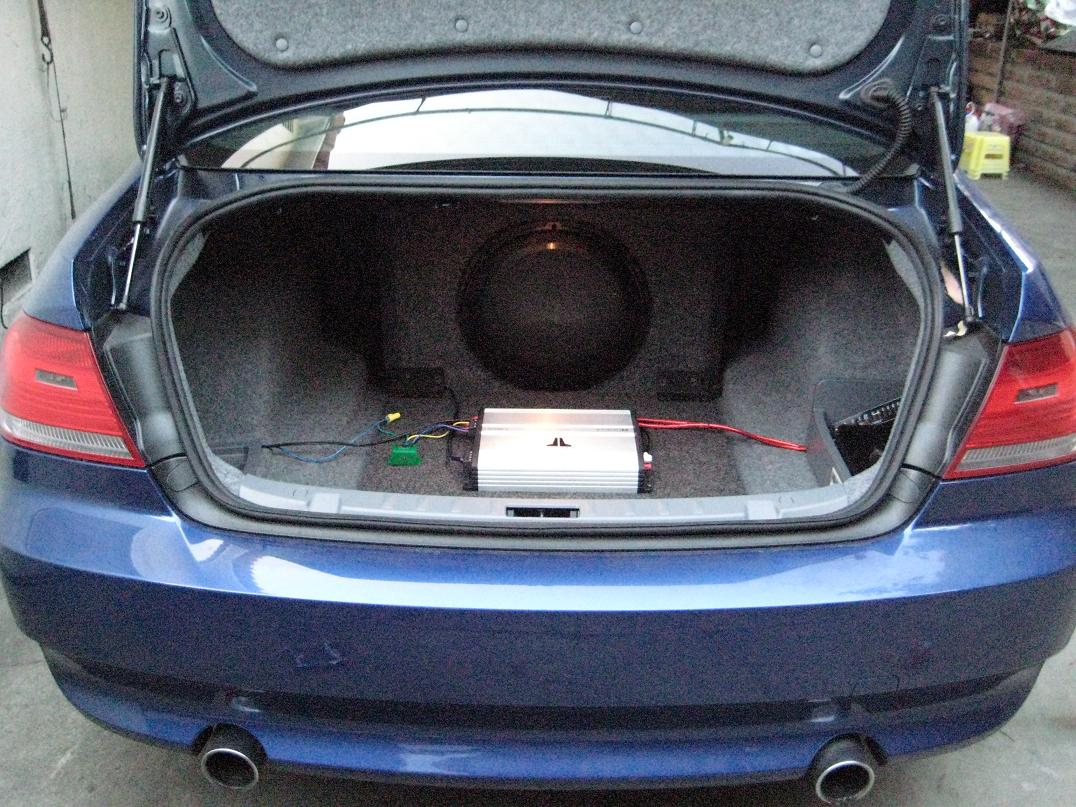 diy amplifier sub install for e92 with i drive. Black Bedroom Furniture Sets. Home Design Ideas