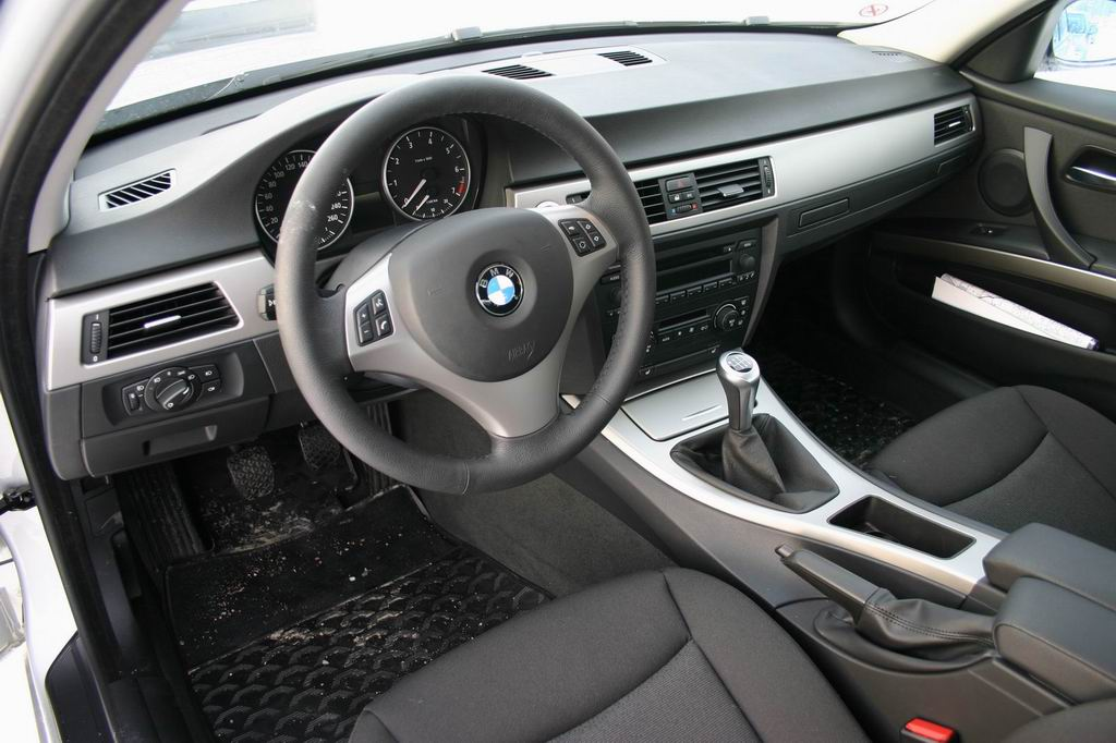 Us E90 Dash Accessory Box Retrofit