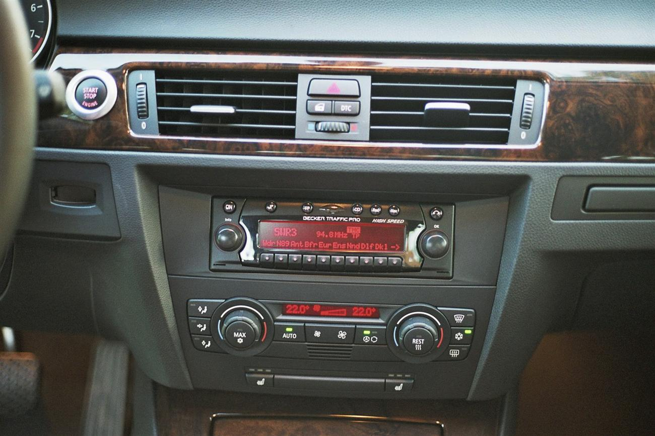 2006 Bmw 3 Series E90 Aftermarket Headunit Possible