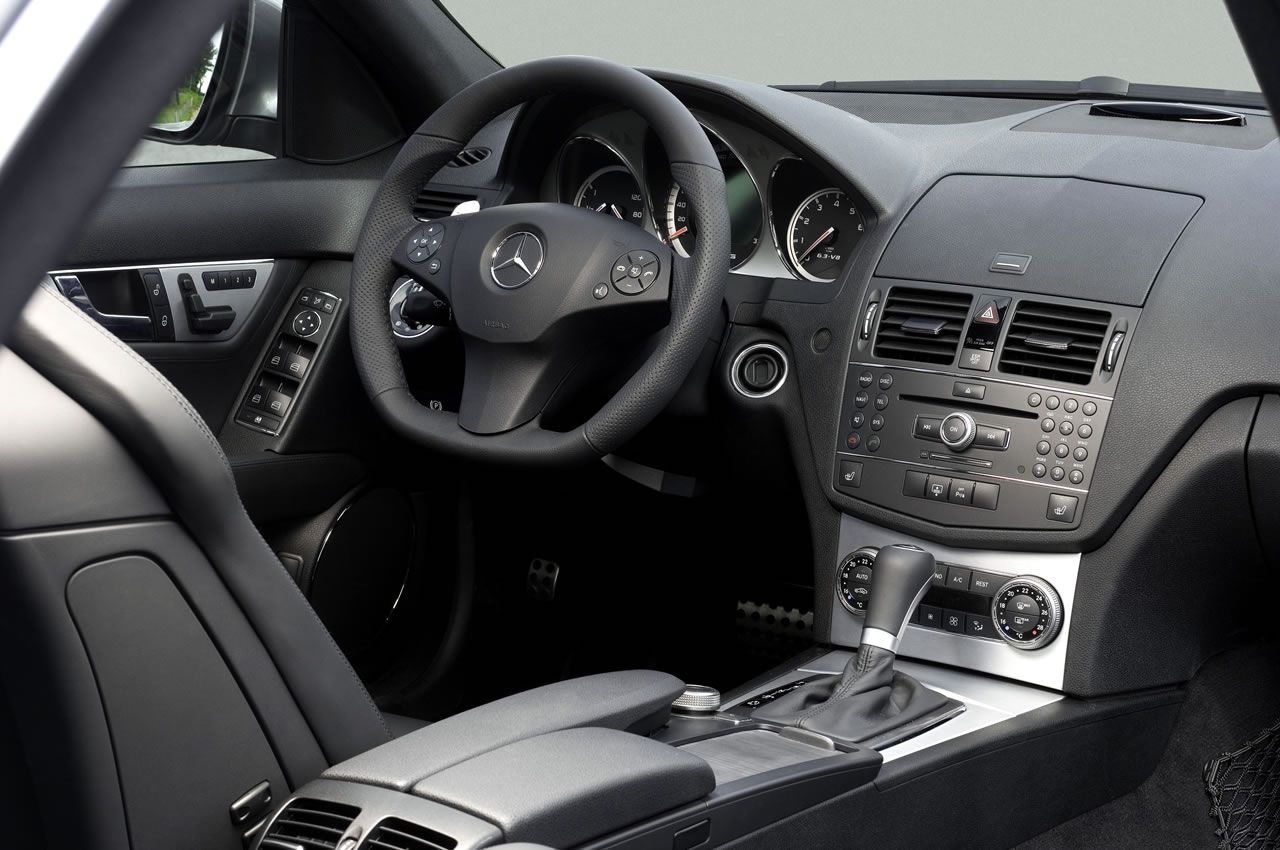 E90 m3 sedan vs e92 m3 coupe and rant about the c63 for Interieur w204