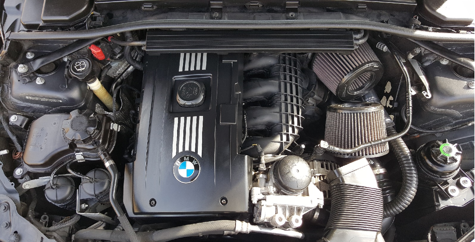 Name: Engine bay.jpg Views: 25214 Size: 640.0 KB