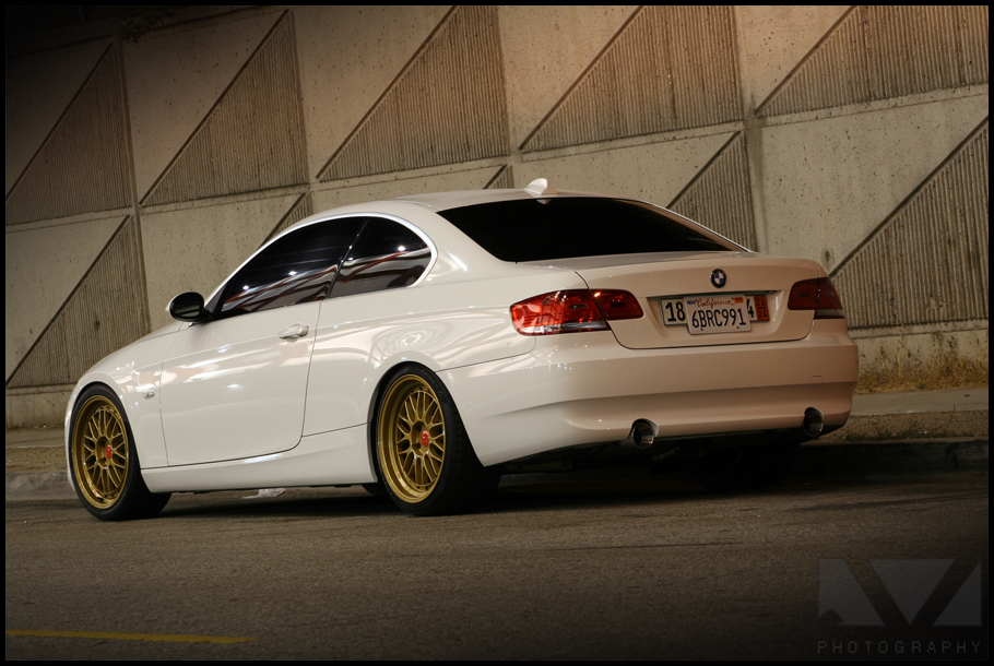 E92 White With Gold Wheels