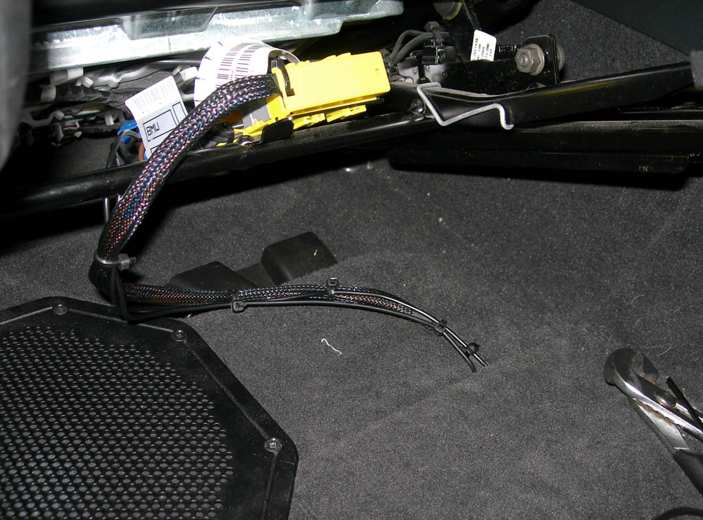 diy sport seat swap into e90 out power seats there are empty locations for where the seat fuses are supposed to be but mine didn t have any wire terminals connected