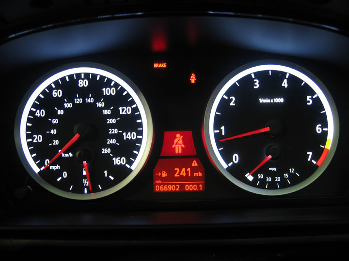 Changing the cruise control speed display from mph to km/h
