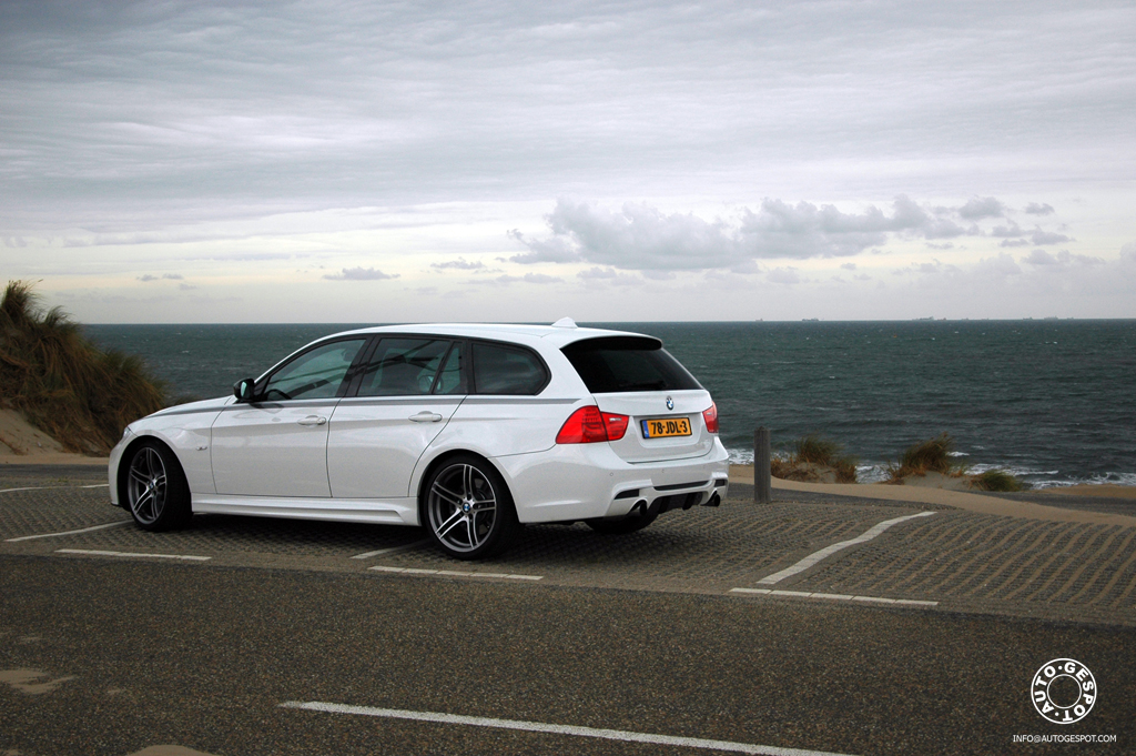 BMW Performance E91 LCI 335i touring One sporty wagon in motion
