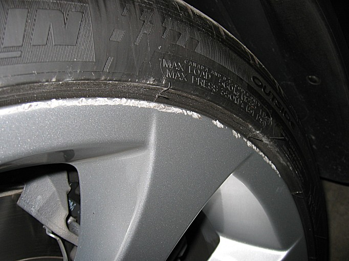 Curb Rash Repair Is There Such A Thing As Bmw Alloy Wheel Paint