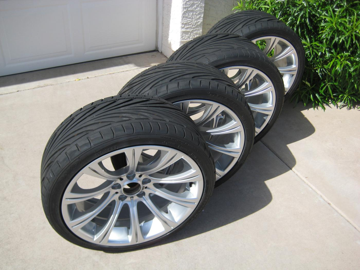 M5 E60 Bmw 166m Oem Alloy Wheels Toyo Tires