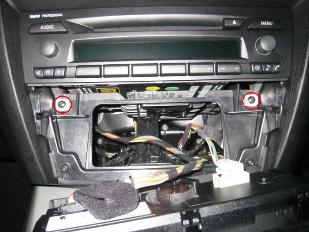 How to replace LCD on BMW Professional radio - BMW 3-Series