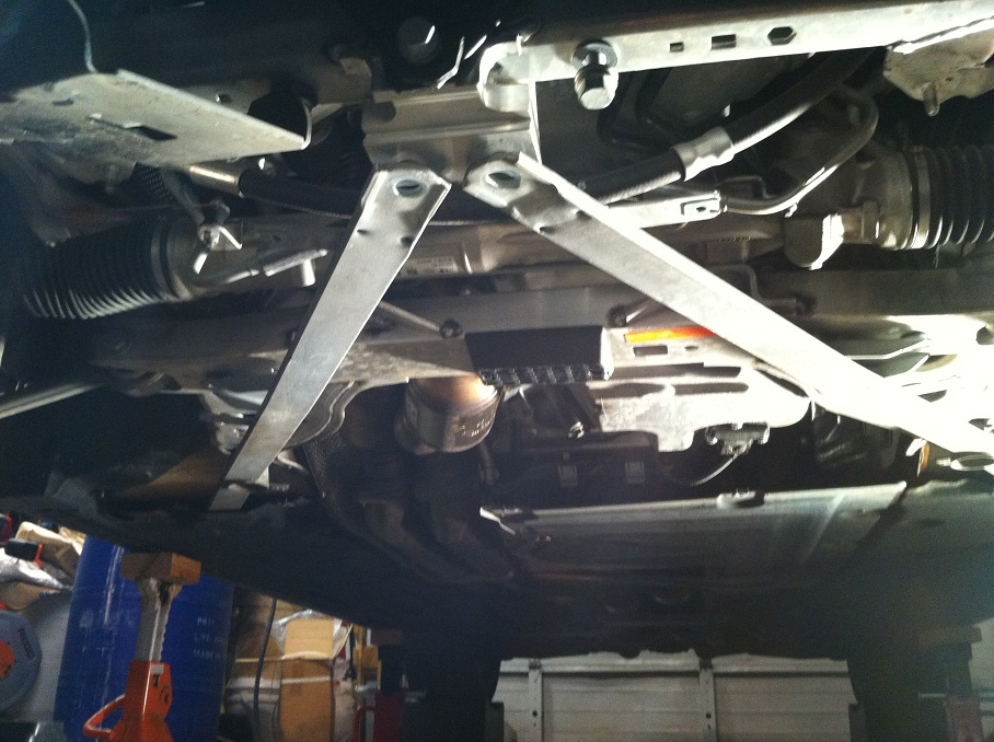 Name E93 Front Brace Unbolted