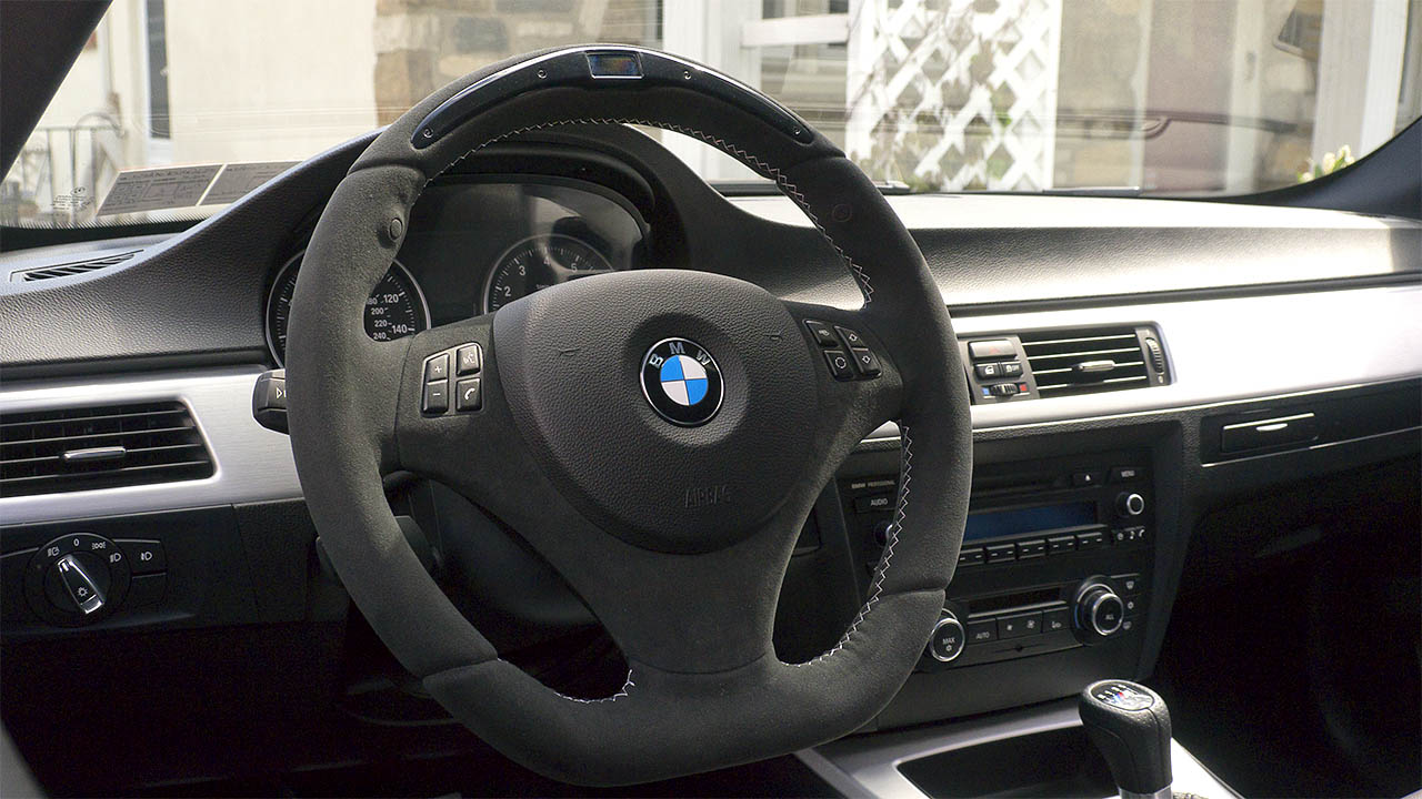 Leather driving gloves bmw - I Use Water Microfiber Just So It S Damp Not Wet And Wipe It Down Each Week If It Gets Soiled In Any Way You Can Use A Diluted Woolite Solution To