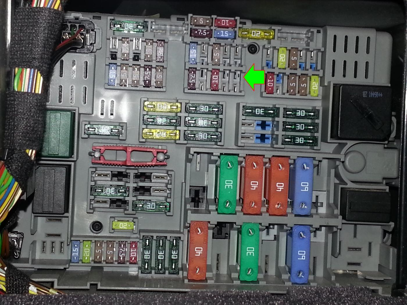 E90 Fuse Box Layout : E fuse box diagram autos post