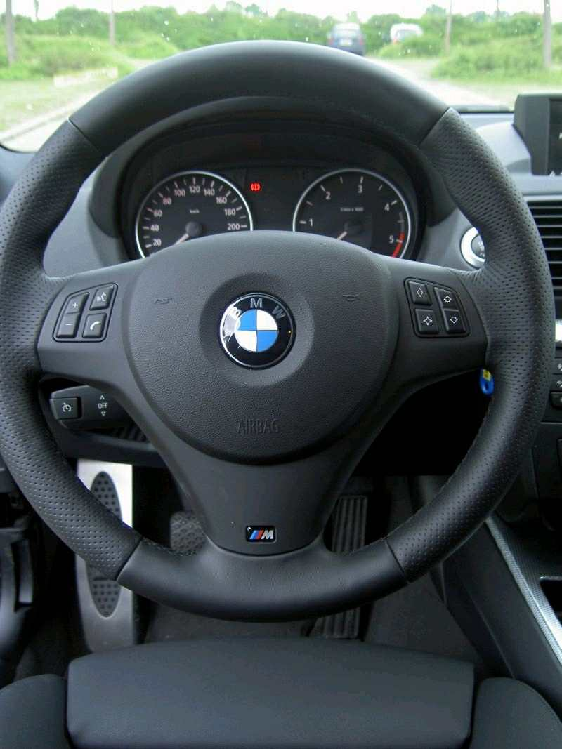 bmw e90 e87 genuine m sport steering wheel. Black Bedroom Furniture Sets. Home Design Ideas