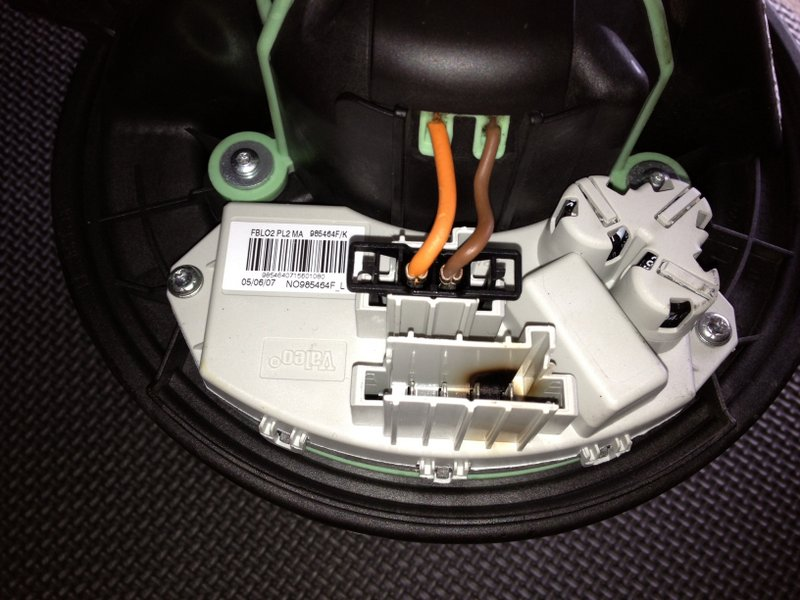 F further Bmw I E Fuse Box Above Glove Box moreover Post Thumb moreover Hqdefault also Pic. on bmw 325i fuse diagram