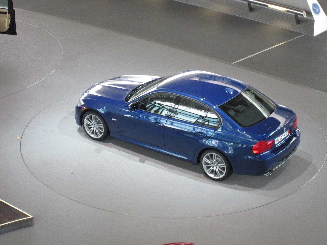 Name:  BMW Welt_Delivery 2 Car Spinning.JPG Views: 2887 Size:  259.1 KB