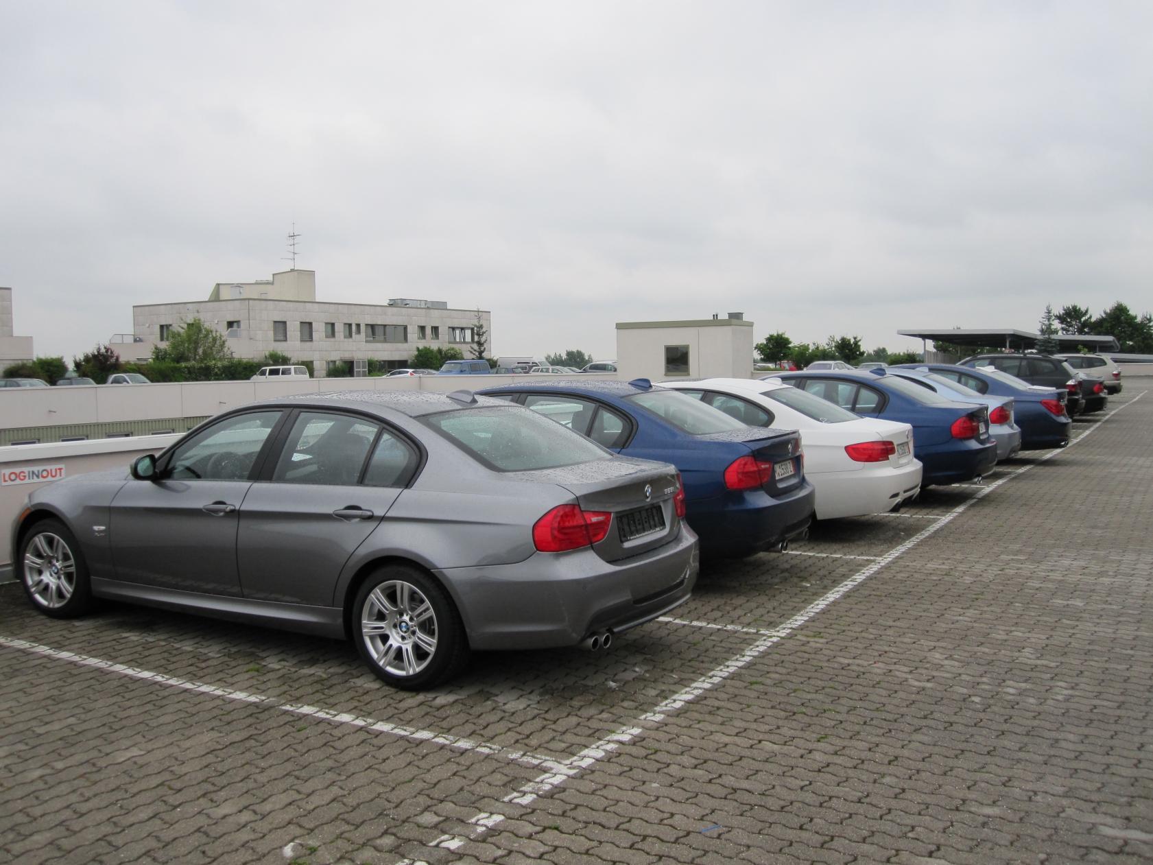 Name:  Munich Car Dropoff Saying Bye Bye.jpg Views: 2506 Size:  211.4 KB