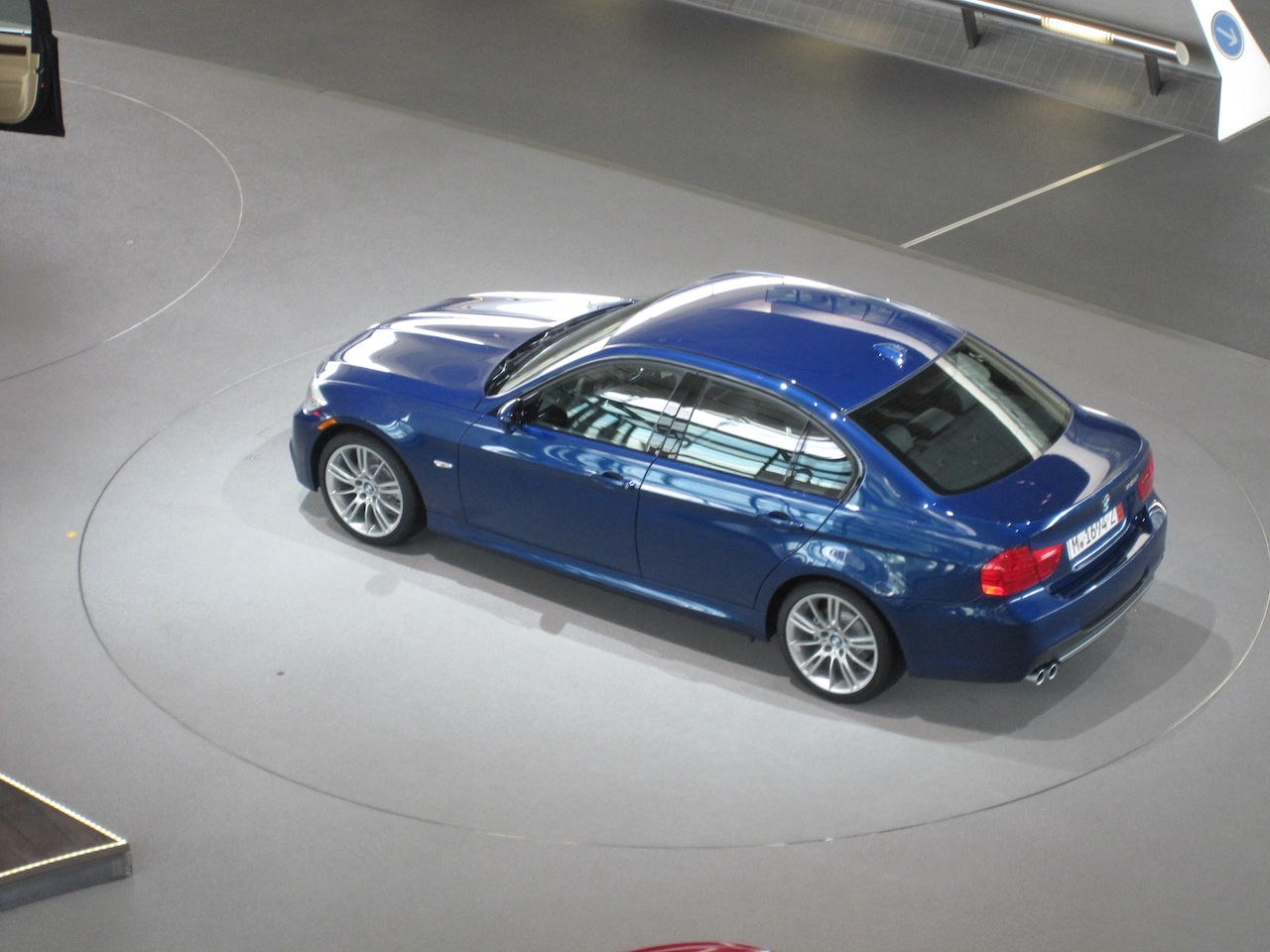 Name:  BMW Welt_Delivery 2 Car Spinning.JPG Views: 2865 Size:  259.1 KB