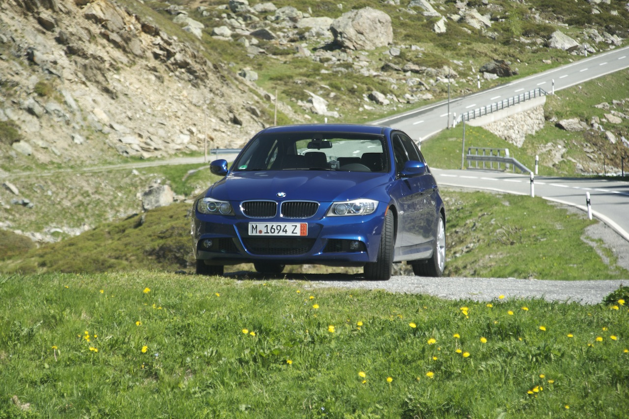 Name:  Stelvio Pass Otherside Car alone.jpg Views: 2348 Size:  423.3 KB