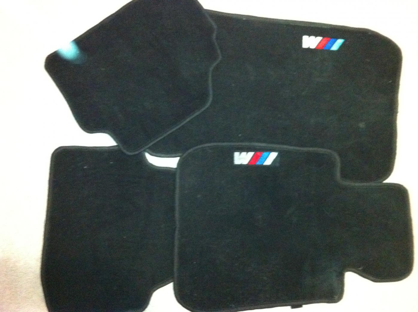 Fs e90 floor mats w m logo for Bmw m sport floor mats