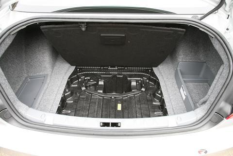 328i has more trunk space. Black Bedroom Furniture Sets. Home Design Ideas