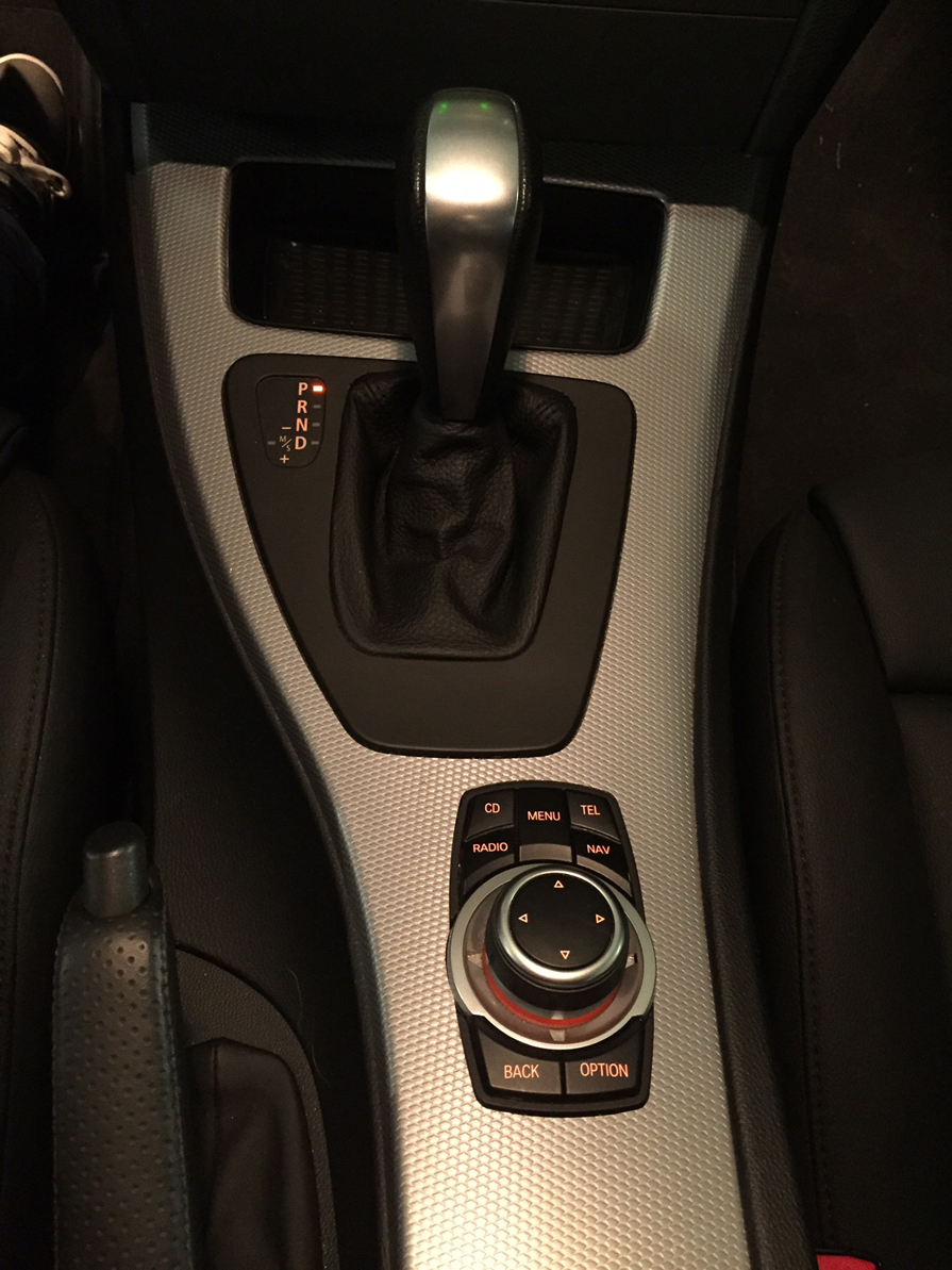 Name:  iDrive and Gear Selector_Resized.jpg Views: 1357 Size:  683.8 KB
