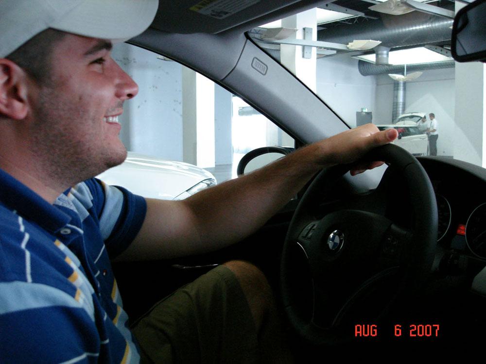 Name:  Leaving the Garage 2.jpg Views: 1826 Size:  143.5 KB