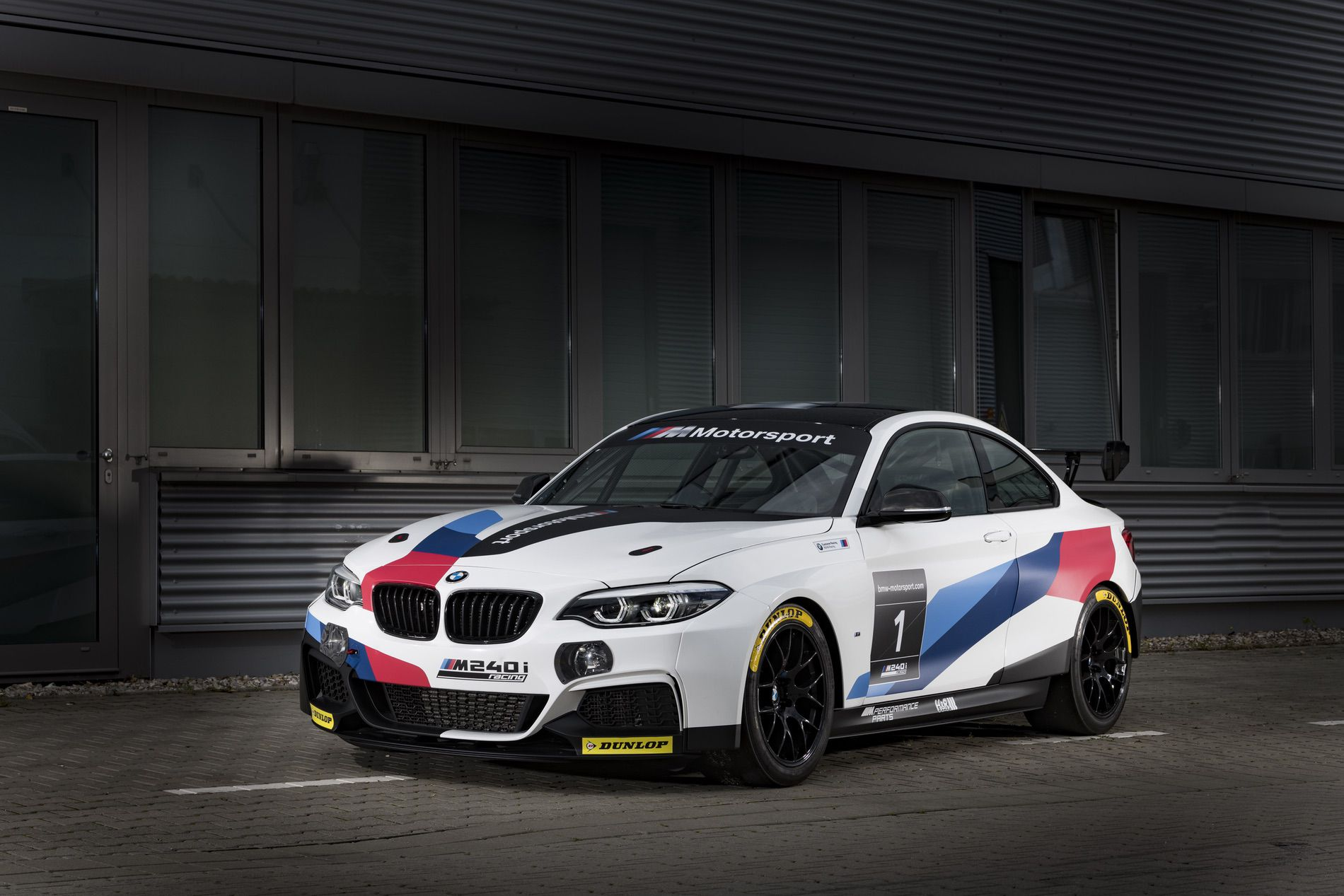 Name:  BMW-M240i-Racing-Car-04.jpg Views: 5962 Size:  236.9 KB